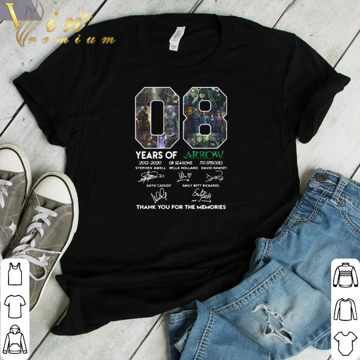Awesome 08 Years Of Arrow Signatures Thank You For The Memories Shirt 1 1.jpg