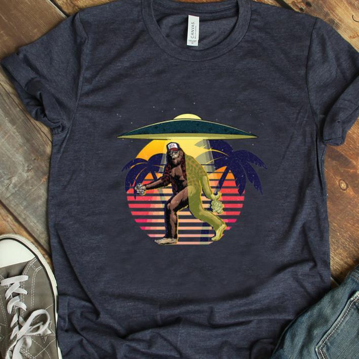 Awesome Bigfoot Sasquatch Ufo Vintage Shirt 1 1.jpg