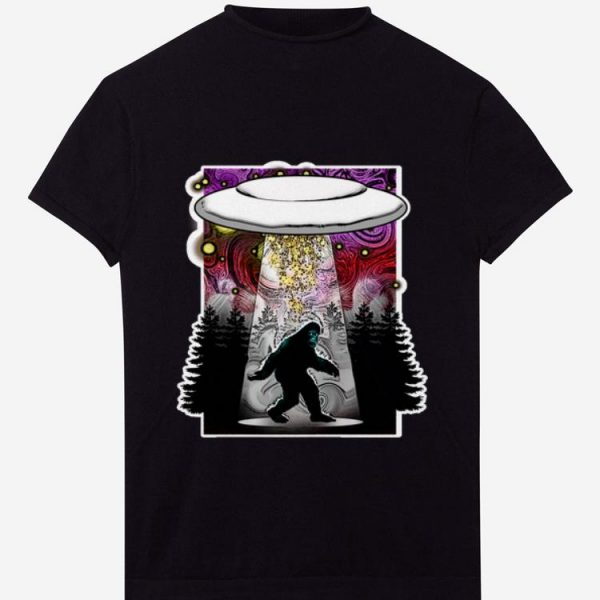Awesome Extraterrestrial Flying Saucer Sasquatch Abduction shirt