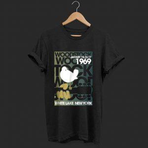 Nice Woodstock August 1969 White Lake New York shirt
