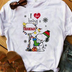 Pretty I Love Being A Grandma Christmas Snoopy shirt