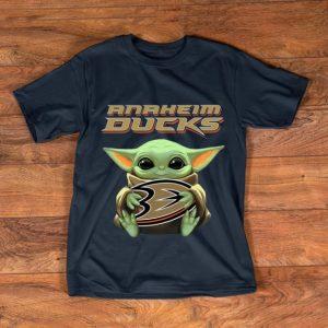 Pretty Baby Yoda Hug Anaheim Ducks shirt