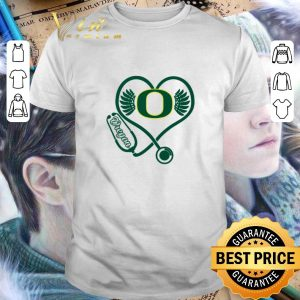 Awesome Love Oregon Ducks Stethoscope Heartbeat nurse shirt