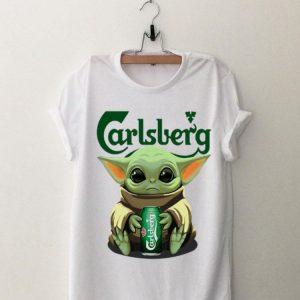 Awesome Baby Yoda hug Carlsberg beer shirt