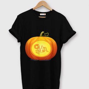 Awesome Don't Eat Pumpkin Seeds Baby Skeleton Pregnancy Halloween shirt
