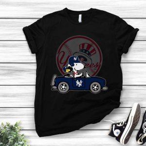 New York Yankees MLB Snoopy Diving Beetle shirt