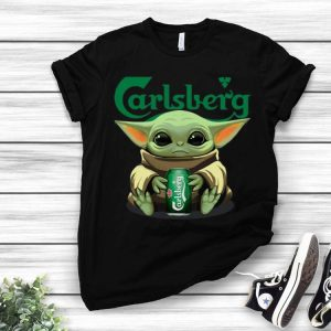 Baby Yoda Hug Carlsberg Beer Lovers shirt