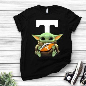 Football Baby Yoda Hug Tennessee Volunteers shirt