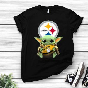 Star Wars Football Baby Yoda Hug Pittsburgh Steelers shirt