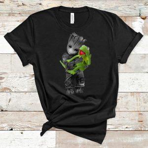 Hot Baby Groot Hug Frog Disney shirt