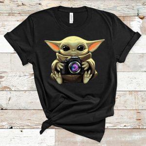 Nice Star Wars Baby Yoda Hug Camera shirt