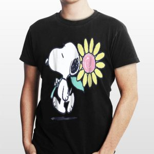 Peanuts Snoopy pink daisy flower shirt