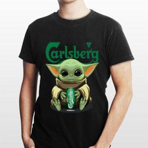 Baby Yoda Hug Carlsberg shirt