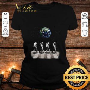 Best Astronaut Walk On The Moon Abbey Road Earth shirt