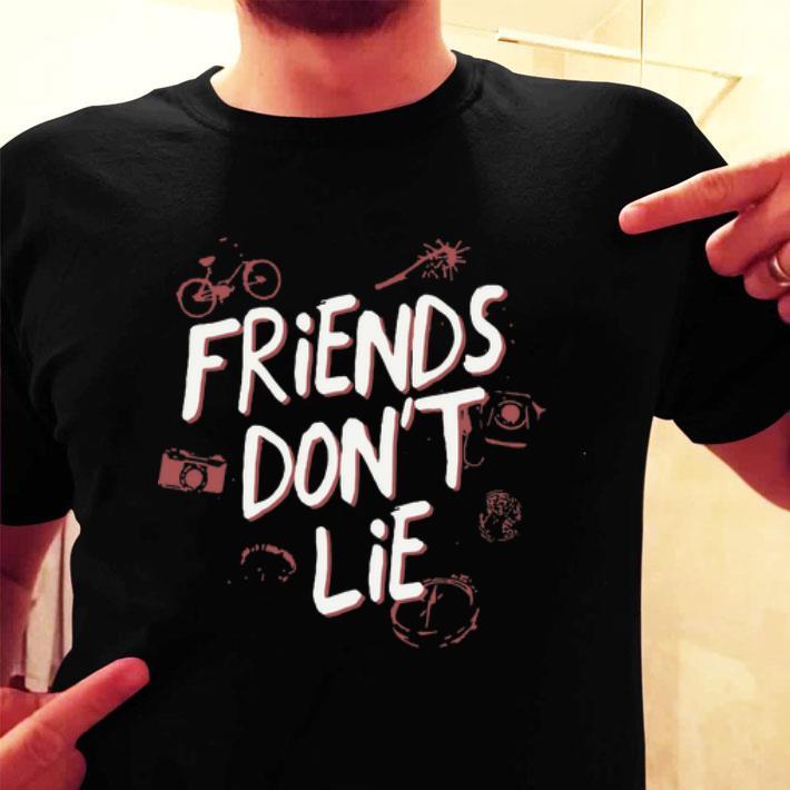 Eleven Friends Dont Lie Banner Stranger Things Women/'s T-Shirt