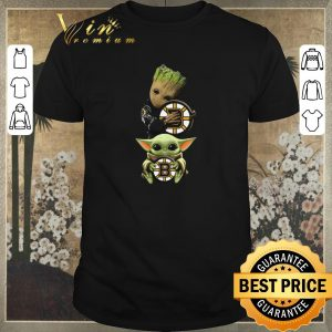Awesome Baby Yoda and Baby Groot hug Boston Bruins Star Wars shirt sweater