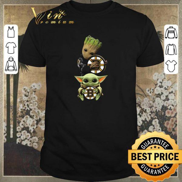 Awesome Baby Yoda and Baby Groot hug Boston Bruins Star Wars shirt sweater