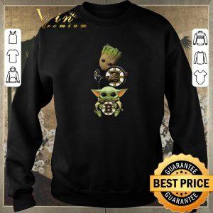 Awesome Baby Yoda and Baby Groot hug Boston Bruins Star Wars shirt sweater 2