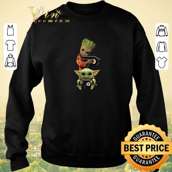 Awesome Baby Yoda and Baby Groot hug Philadelphia Flyers Star Wars shirt sweater