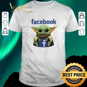 Awesome Baby Yoda hug Facebook Star Wars shirt sweater