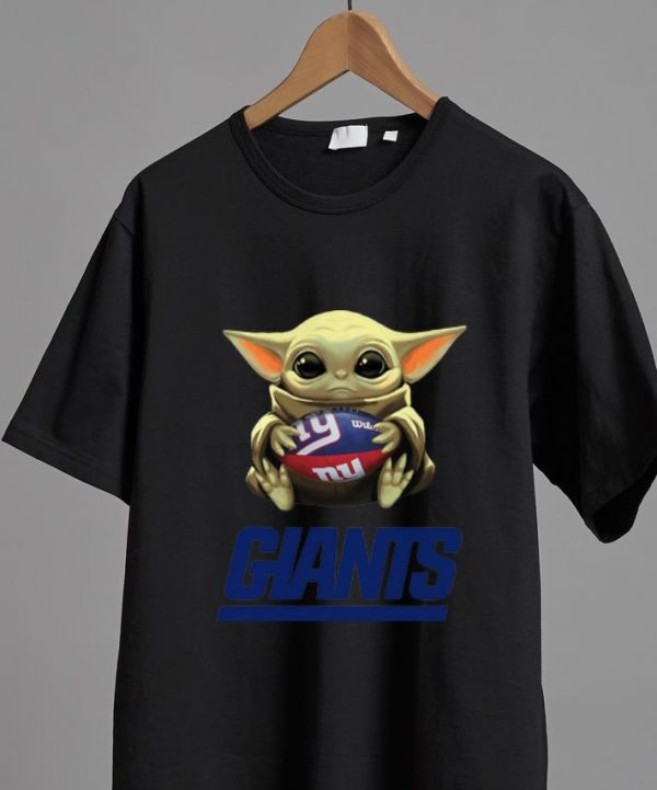 Official Star Wars Football Baby Yoda Hug New York Giants shirt