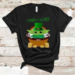 Nice The Mandalorian Happy St Patrick's Day Baby Yoda shirt