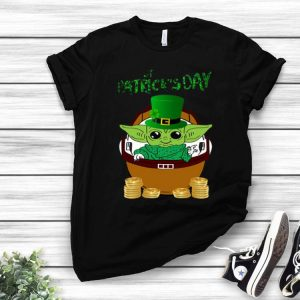 The Mandalorian Happy St Patrick's Day Baby Yoda shirt