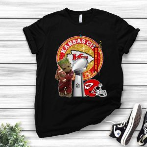 Baby Groot Hug Footbal Kansas City Chiefs Super Bowl Champions shirt