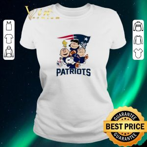 Premium Peanuts characters New England Patriots Snoopy Charlie Brown shirt sweater