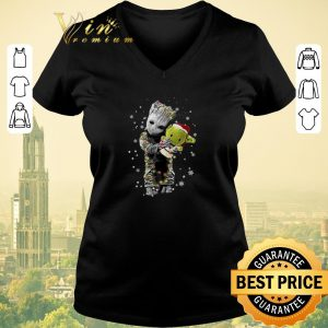 Official Baby Groot hugging baby Yoda Christmas shirt sweater
