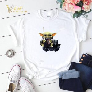 Baby Yoda hug Fencing Star Wars shirt sweater