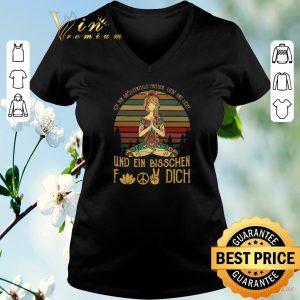 Premium Ich Bin Größtenteils Frieden Liebe Und Licht Und Ein Bisschen Fuck Dich shirt sweater 1