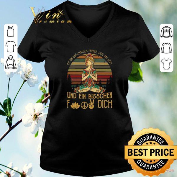 Premium Ich Bin Größtenteils Frieden Liebe Und Licht Und Ein Bisschen Fuck Dich shirt sweater