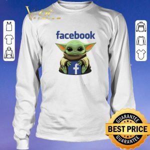 Hot Baby Yoda hug Facebook Star Wars shirt sweater 2