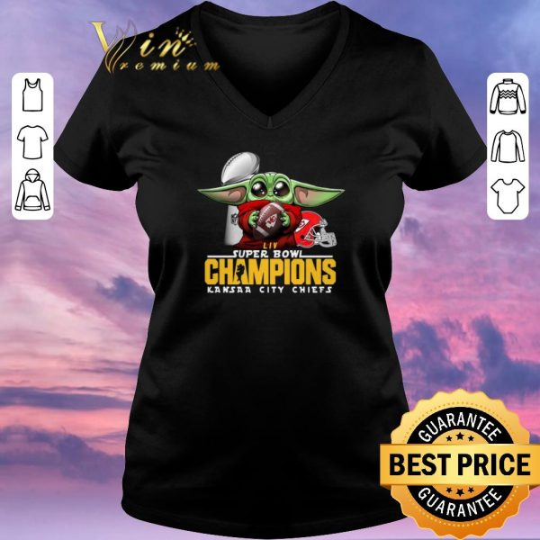Awesome Baby Yoda Hug Kansas City Chiefs Super Bowl Champions Star Wars shirt sweater