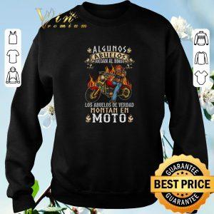 Pretty Algunos Abuelos Juegan Al Bingo Los Abuelos De Verdad Montan En Moto shirt sweater 2