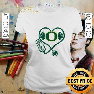Nice Love Oregon Ducks Stethoscope Heartbeat nurse shirt