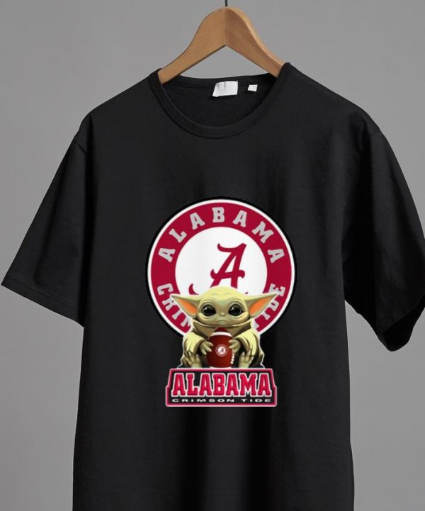 Awesome Star Wars Baby Yoda Hug Alabama Crimson Tide shirt