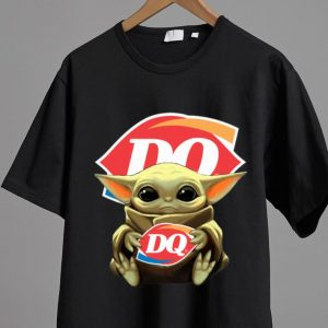 Premium Star Wars Baby Yoda Hug Dairy Queen shirt