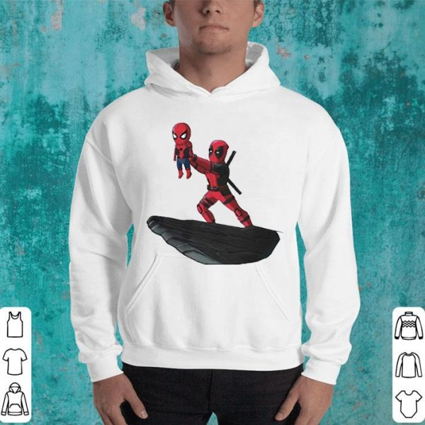 Deadpool Sacrificing Spiderman Cosplay The Lion King shirt
