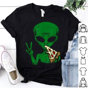 Nice Alien Pizza Eating Peace Funny Space Area-51 Halloween Gift shirt