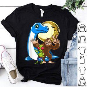 Beautiful Bigfoot Sasquatch Loch Ness Monster Nessie Alien Halloween shirt