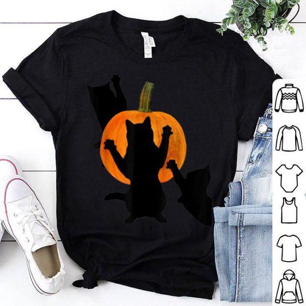 Nice Funny Black Cats Attacking A Pumpkin shirt