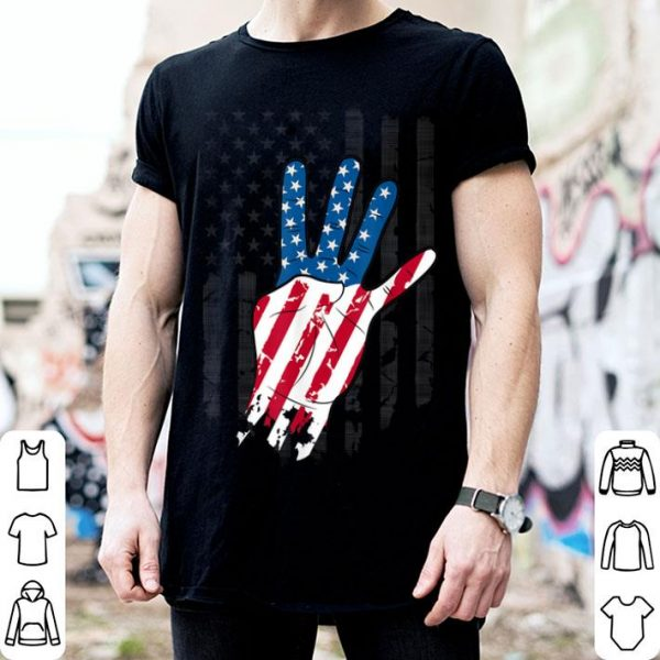 USA 4th Of July Flag 4 Finger Distressed Fourth Hand Sign American Flag shirt