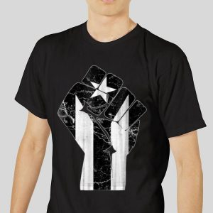 The best trend The Raised Fist Puerto Rico Resiste Black Flag shirt 2
