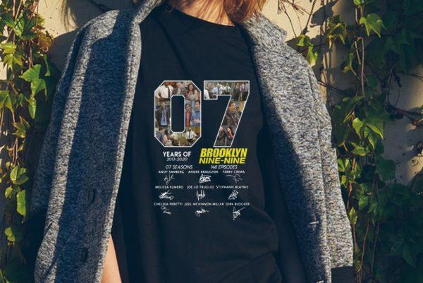 Signature 7 Years Brooklyn Nine Nine Years Of 2013 - 2020 sweater