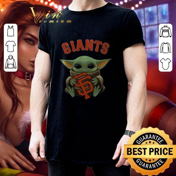 Nice Baby Yoda hug San Fran Giants Star Wars Mandalorian shirt
