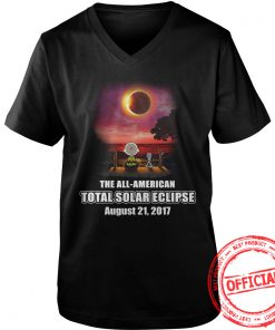 Official Charlie Brown And Snoopy Watching The Solar Eclipse Aug 21 2017 V Neck
