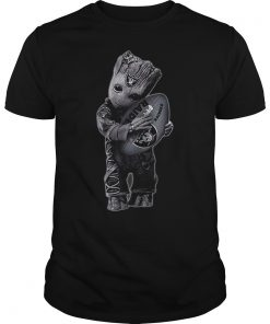 Baby Groot Hug Oakland Raiders Football Nfl T Shirt Guys Tee.jpg