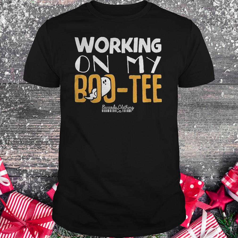 Working on my Boo-Tee shirt